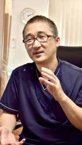 医師青木大輔の紹介写真